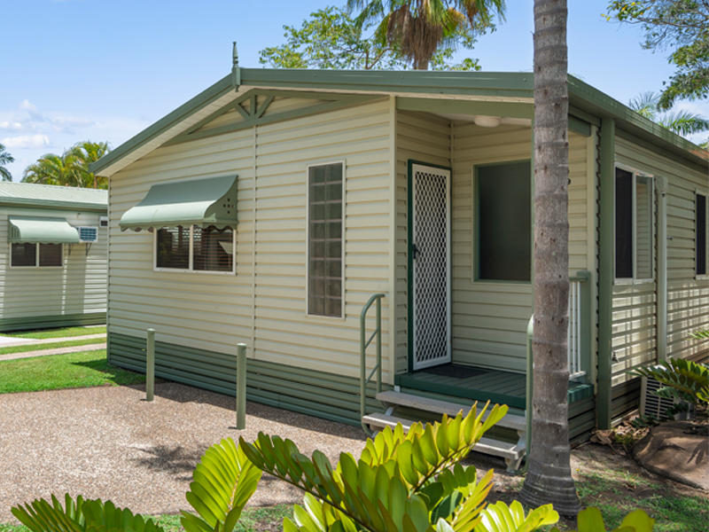Palm Cottage Cabin Accommodation at Ashmore Palms