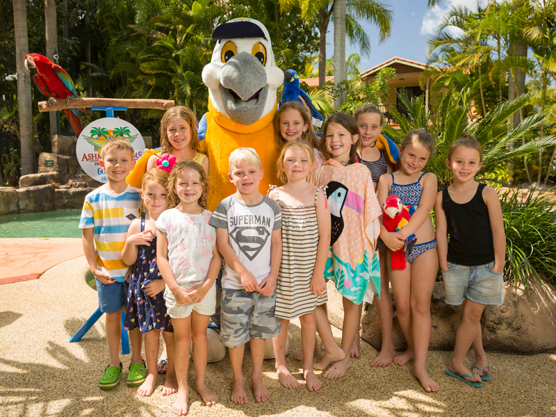 Macca Macaw Meet n Greet at Ashmore Palms