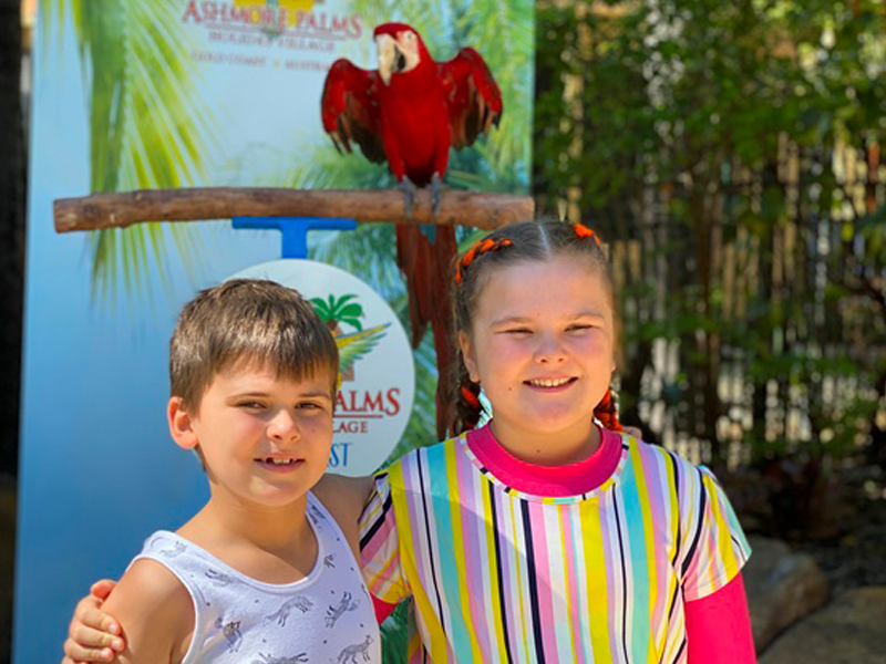 Photos with the Birds at Ashmore Palms